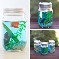 fabriquer un mini aquarium berceau magique le mag - The world's most private search engine Mason Jar Crafts, Bottle Crafts, Mason Jars, Preschool Crafts, Diy And Crafts, Crafts For Kids, Mini Aquarium, Diy Y Manualidades, Summer Crafts
