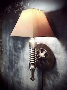 Stoere wandlamp. Onderdelen crossmotor. Mx. Dirtbike.