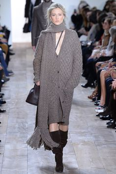 Michael Kors Fall 2014 RTW - Runway Photos - Fashion Week - Runway, Fashion Shows and Collections - Vogue Michael Kors Fall, 2014 Fashion Trends, Michael Kors Collection, Fashion Show, Fashion Design, Fashion Guide, Review Fashion, Runway Fashion, Crochet Fashion