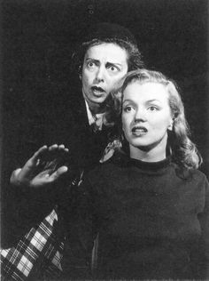 Natasha Lytess la profesora de interpretación de Norma Jeane. La amó tanto que acabó obsesionada por Norma Jeane