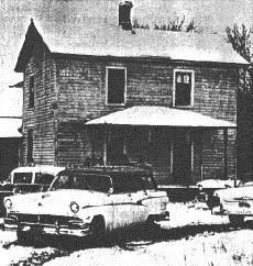 """The purpose of this page is to provide information on Ed Gein, the 'real' American Psycho. It is in """"no way"""" to serve a tribute to this man or his ghastly deeds, but rather to recognize him as a source that forever shaped the way we watch horror today. Scary Places, Haunted Places, Famous Murders, Murder Most Foul, Evil People, Horrible People, Natural Born Killers, Foto Real, American Psycho"""