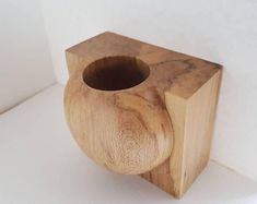 Wood vase / holder with flat edge Sycamore hand turned InTurn UK Woodturner . - Wood vase / holder with flat edge Sycamore hand turned InTurn UK Woodturner home – - Lathe Projects, Wood Projects, Woodworking Projects, Wood Turning Lathe, Wood Turning Projects, Wood Vase, Wood Bowls, Wooden Crafts, Wood Sculpture