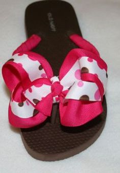 35305fd9dc3876 Ribbon-wrapped flip flops with interchangeable bows. Will definitely be  doing this for my