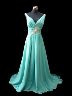 i love this dress the color, the shape, the neckline. Its beautiful i wish i could wear something like this