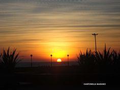 Amanecer junto al mar. Mar del Plata, Argentina.