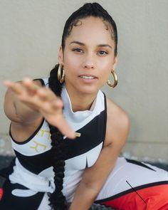 Everything we know about Alicia Keys' parents - TheNetline Alicia Keys Parents, Alicia Keys Family, Alicia Keys Style, Alicia Keys Hairstyles, Sanaa Lathan, Toni Braxton, Fashion Couple, Amy Winehouse, Matthew Mcconaughey