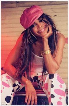 Janet Jackson is polka-dot pants pajama party. Jackson Family, Janet Jackson, Michael Jackson, The Jacksons, Accesorios Casual, Christina Aguilera, Christina Hendricks, Queen, Mariah Carey