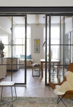 Steel and glass sliding doors | Styling Leonie Mooren | Photographer Anouk de Kleermaeker | vtwonen August 2015