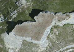 Vista satélite del campamento romano de La Muela (Villamartín de Sotoscueva, Burgos). Fuente: Bing Maps