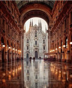 Milan is one of the most popular cities in Italy. Find out the best things to do, places to see and where to eat if you're only visiting Milan for one day. Places To Travel, Places To See, Travel Destinations, Travel Deals, Beautiful World, Beautiful Places, Wonderful Places, Amazing Places, Destination Voyage