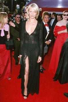Cameron Diaz's Hot Body Evolution Cameron Diaz 90s, Cameron Diaz Style, Jim Carrey, Star Fashion, 90s Fashion, Fashion Outfits, Celebrity Bodies, Celebrity Style, Angelina Jolie