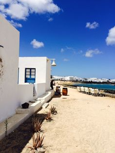 La Graciosa, Lanzarote, Islas Canarias, Spain. Canarian Islands, Regions Of Europe, Spanish Islands, Southern Europe, Paradise On Earth, Balearic Islands, Island Beach, Travel Pictures, Travel Destinations