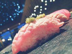 Fatty tuna  #fishporn #sushiporn #tunczyk #fat #tuna #izakaya #izakayasushi #izakayasushibar #sushi #sushiart #sushiporn #sushiplate #foodporn #japan #tataki by sushi.and.you