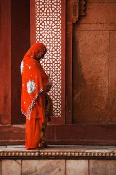 Amazing photographs taken at Fatehpur Sikri India. A place where young couples come and explore their roots. Amazing people and amazing colors at the Jama Masjid sight.