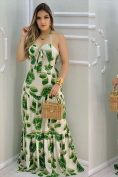 Curvy Outfits, Dress Outfits, Fashion Outfits, Stylish Dresses, Nice Dresses, Latest African Fashion Dresses, Stripped Dress, Cutout Dress, Celebrity Outfits