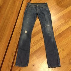 Citizens of Humanity Jeans size 26 Ava Low waist straight leg. Inseam about 33in. Worn n loved. Super comfortable jeans. Jeans Straight Leg