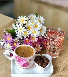 Good Morning Coffee, Good Morning Wishes, Coffee Around The World, Good Morning Images Flowers, Morning Pictures, Coffee Flower, Community Coffee, Happy Birthday Fun, Coffee Girl