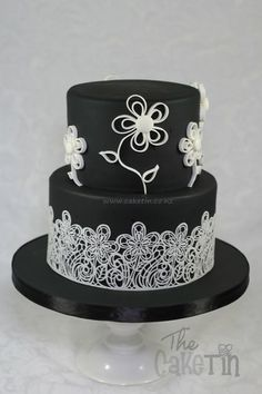 Black and White with Lace and Quilled Flowers - by The Cake Tin @ CakesDecor.com - cake decorating website