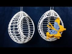 Jak zrobić pisankę z otworem 3D wzór 4 - Szydełko - YouTube Crochet Christmas Wreath, Crochet Ornaments, Crochet Snowflakes, Christmas Tree Decorations, Christmas Tree Ornaments, Doily Patterns, Crochet Patterns, Diy Arts And Crafts, Diy Crafts
