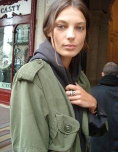 daria werbowy#military green jacket#street style#hair