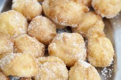 """""""Buñuelos"""" (Sweet fritter)🍩 with cinnamon and sugar, a typical dessert of Castellón (Spain). 🍴"""