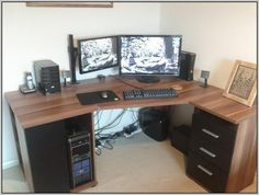 diy corner computer desk for those of you who like to play games and want to find interesting tmapilan for your room