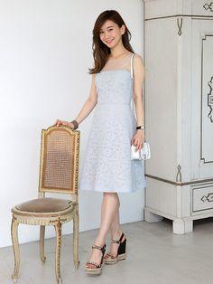 きれい色でまとめた夏のドレスアップの好例。「ジル スチュアート」PR、伏見玲奈さんのお呼ばれスタイルをご紹介。
