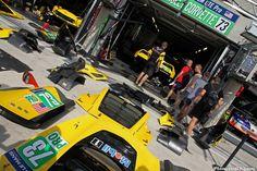 http://www.planete-gt.com/wp-content/uploads/2014/06/LeMans-2014-Paddock-Corvette-C7R-01-1024x682.jpg
