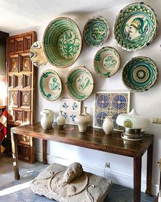 Spanish style homes – Mediterranean Home Decor Spanish Interior, French Interior, Interior Design, Spanish Revival, Spanish Style Homes, Mediterranean Home Decor, Kitchen Styling, Plates On Wall, Decoration
