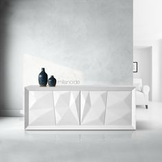 Sharp, edgy and modern the Polo sideboard will decorate elegantly the dining room, while giving you all the necessary storage.