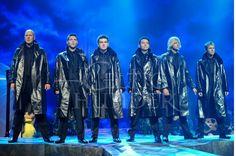 The Boys Celtic Thunder, Irish Dance, Irish Men, Beautiful Voice, Old Hollywood, Singers, Group, Boys, Amazing