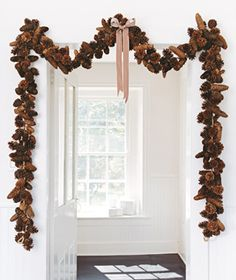 \\\ pinecone garland. maybe i'll get woodsy next year. \\\