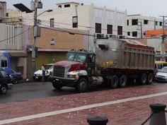 """On a rainy afternoon at the """"La Puerta del Conde"""" in Santo Domingo"""