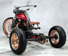 The Bobster trike by Zeel Design is an interesting custom, one reason being the builders are former engineers from Bombardier who design their customs completely on the computer before cutting or m… Custom Trikes, Custom Motorcycles, Custom Cars, Cars And Motorcycles, Steampunk Motorcycle, Bobber Motorcycle, E Quad, Tricycle Bike, Trike Bicycle