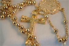 www.hiphopcloset.com-Gold Virgin Mary Rosary