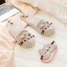 Pusheen sleep mask and sleep shoes