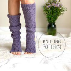 Knitting Socks, Hand Knitting, Flip Flop Socks, Fluffy Socks, Plus Size Patterns, Custom Socks, Purl Stitch, Crochet Slippers, Knitting Patterns Free
