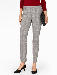 From dinner to office, these plaid pants get it. Our modern side-zip ankle pant with a polished slim-leg fit offers the best of both worlds.
