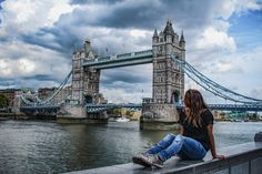Wie kann man am besten Geld zur Seiten legen und sich nehmen Miete, Essen und dem alltäglichen Leben das Reisen finanzieren? Meine besten Tipps verrate ich euch in diesem Beitrag Tower Bridge, Blog, Travel, Money, Life, Viajes, Blogging, Trips, Tourism