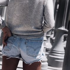 Teaching you how to DIY denim cutoffs or if you're lazy, where to buy them -->> LINK IN BIO ____________ www.liketoknow.it @liketoknow.it #liketkit http://liketk.it/2o9EY