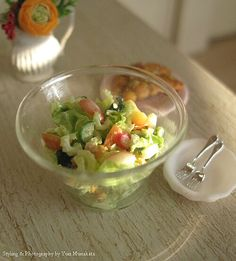A perfect dreesed salad from Yuri Munakata of yuriberry 1/12th scale miniature food