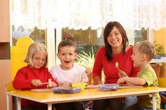 Starting a Home Daycare Business Welcome to Simply Daycare. If you are interested in starting a successful home daycare, this site is for YOU. Starting and running your own home based daycare can be accomplished both simply and affordably. Daycare Forms, Kids Daycare, Home Daycare, Preschool At Home, Preschool Lessons, Daycare Ideas, Preschool Ideas, Montessori, Cake Decorating For Kids