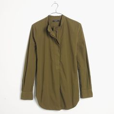 FINAL SALE Madewell Olive Green Tunic Look military-chic in this Madewell button tunic. Color is olive green, but closer to brown than the model photo which looks very green to me. Great condition, SOLD OUT ONLINE! 100% cotton. Madewell Tops Tunics