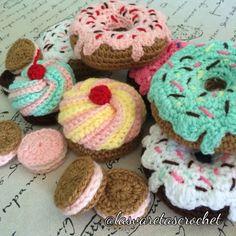 Crochet Free Pattern: Crochet Donut - Marble Crafting Inc. Crochet Cake, Crochet Food, Crochet Kitchen, Love Crochet, Crochet Gifts, Crochet For Kids, Diy Crochet, Crochet For Beginners, Crochet Patterns Amigurumi