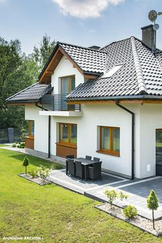 Dom w sansewieriach Flat House Design, Kerala House Design, Bungalow House Design, Dream Home Design, Small Rustic House, Rustic House Plans, Rustic Houses Exterior, House Design Pictures, House Construction Plan