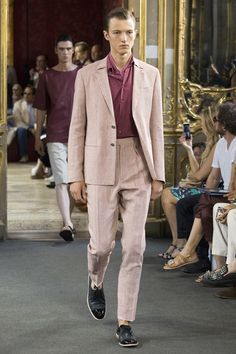 Catwalk photos and all the looks from Corneliani Spring/Summer 2016 Menswear Milan Fashion Week