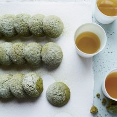 Matcha Tea Cake Cookies These delicate cookies are made with oil, so they're moist and tender. Matcha gives them a light, toasty flavor and turns them a pretty green. Slideshow: More Cookie Recipes Tea Cake Cookie Recipe, Tea Cake Cookies, Matcha Cookies, Cookies Et Biscuits, Wine Cookies, Green Tea Cookies, Cookies Light, Meringue Cookies, Yummy Cookies