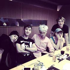 [Left to the Right] tired Buffalo, tired Panda, arrogant *but handsome* Bear, really really tired Squirrel, n smiling one line Lion ㅋㅋㅋ Daesung, Gd Bigbang, Bigbang G Dragon, Big Bang Top, Choi Seung Hyun, Yg Entertainment, Kpop, Ringa Linga, Rapper