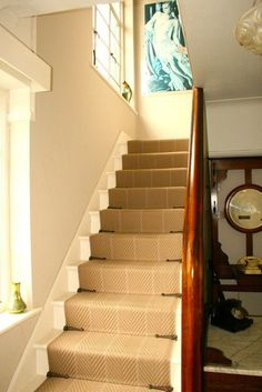 stairs Love that they aren't full rods Stairway Carpet, Carpet Stairs, Redo Stairs, House Stairs, Hotel Breaks, Cabin Chic, 1930s House, House Entrance, Hallway Decorating