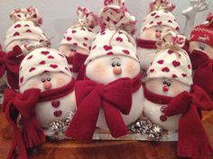 içimdeki yolculuk: kardan adam dikelim Snowman, Christmas Ornaments, Holiday Decor, Outdoor Decor, Anastasia, Home Decor, Craft, Manualidades, Decoration Home
